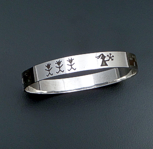 Vintage Cinderella Sterling Silver Fairy Tale Latch Bangle Bracelet #40498 $195.00