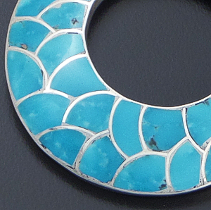 "Carmichael Haloo (Zuni) - Turquoise & Sterling Silver Channel Inlay ""Fish Scale"" Open Disk Pendant #42916 $270.00"