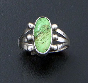 Navajo - Oval Gaspeite & Sterling Silver Bead Accented Ring #11603 Size 5 $40.00
