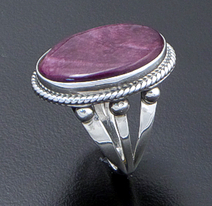 Navajo - Oval Purple Spiny Oyster Shell & Sterling Silver Ring #42689B Size 6 $80.00
